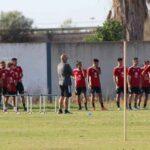 Claudio Barragán, entrenador del Recreativo de Huelva, se lleva a Marbella los 21 jugadores disponibles.