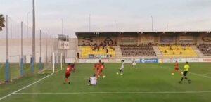 Momento del gol del San Roque, obra de Montenegro. / Foto: Captura imagen @PASIONAURINEGR2.