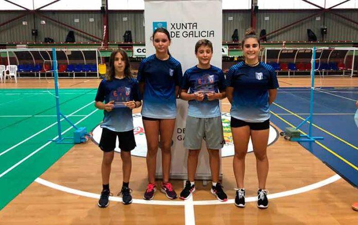 Deportistas del CD Bádminton Huelva que han brillado en el torneo disputado en tierras gallegas.
