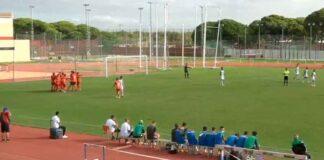 Dos goles de Víctor Barroso en los primeros diez minutos dio el triunfo al Recre ante el Betis Deportivo. / Foto: Captura Teleonuba.