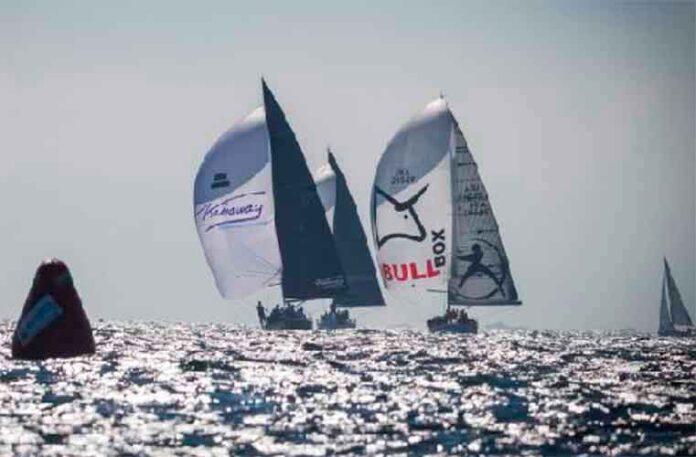 El 'Antílope-Kahaway' navegando en empopada por delante del 'Machete-Inosa'. / Foto: @Lalo R. Villar.