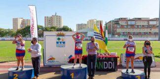 Blanca Betanzos ganó la prueba de los 200 metros lisos, en un podio copado por el CODA Huelva.
