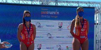 Carmen González, en el segundo puesto del podio, junto a la también española Marta Francés, ganadora de la prueba. / Foto: @TRIATLONSP.