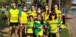 Equipo Mujer Juvenil y Hombre KS del Club Piragüismo Tartessos en la prueba celebrada en Sevilla.