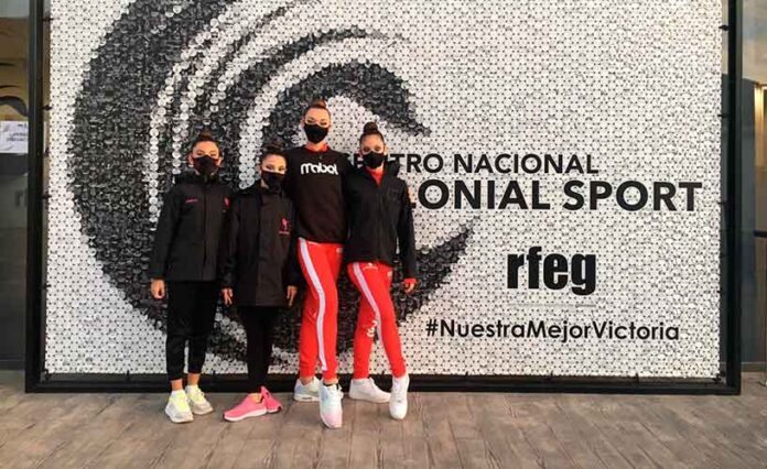Componentes del GR Huelva en el Campeonato celebrado en Valencia.
