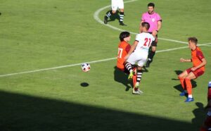 Adri Moyano, de nuevo apto para jugar con el filial del Recre tras su sanción.