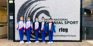 Componentes del Rítmico Colombino en el Nacional Base celebrado en Valencia.