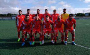 Formación del Aroche en la jornada anterior en la Ciudad Deportiva del Decano. / Foto: @arochecf.
