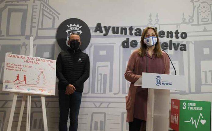 Un momento de la presentación en el Ayuntamiento de Huelva de la XI Carrera de San Silvestre, que tendrá lugar este domingo en formato virtual.