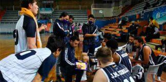 Pedro Vadillo quiere que su equipo no cometa el error de relajarse ante el Torta del Casar. / Foto: CB Huelva La Luz.