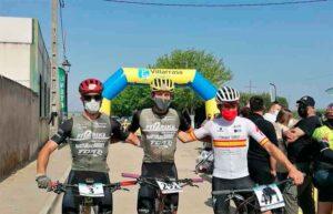 Podio masculino de la '2ª Media Maratón Tierra Llana' en Villarrasa. / Foto: 'Huelva Series XCM 2021.