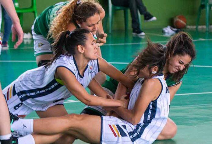 El Ciudad de Huelva femenino tendrá que luchar mucho si quiere seguir peleando por el ascenso. / Foto: Juan José Úbeda/@CNauticoSevilla.