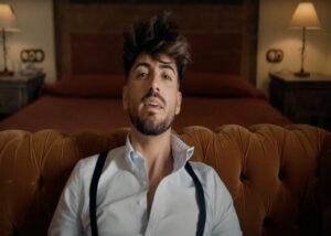 Kiko Salas, en un momento del videoclip