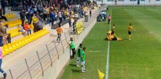 Celebración de uno de los goles del San Roque en su vital triunfo ante el Ceuta. / Foto: @SanRoqueLepe.