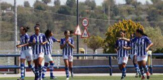 Las jugadoras del Sporting celebran el primero de sus goles en Valencia. / Foto: www.lfp.es.