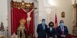 Tradicional ofrenda floral a la Hermandad de Los Judíos