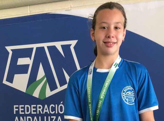 Iria Cárdenas, deportistas del Club Natación Huelva.