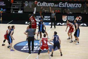 El Ciudad de Huelva mantuvo el tipo hasta el último cuarto ante el Cartagena. / Foto: Miguel Ángel Polo.