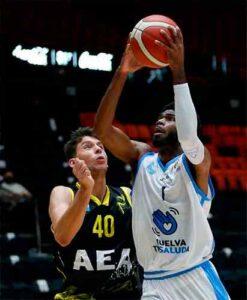 Victor Nickerson, con 21 puntos, 7 rebotes y 27 valoración, fue el mejor de los onubenses. / Foto: Miguel Ángel Polo.