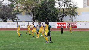Lay celebra su gol, el segundo del Isla, ante el Puerto Real. / Foto: @islacristinafc.