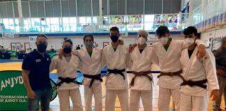 Componentes del CD Huelva TSV de Judo que lograron cuatro medallas en su retorno a la competición.