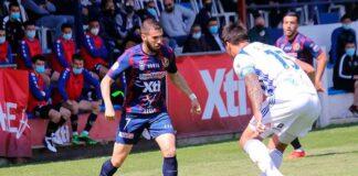Diego Jiménez, en un lance del partido que disputó el Recre ante el Yeclano. / Foto: Pascual Aguilera.