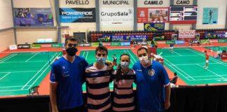 Los cuatro representantes del IES Bádminton La Orden en el torneo que se celebra en La Nucía.