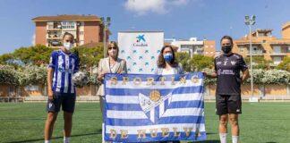 Foto protocolaria en la presentación del convenio entre el Sporting de Huelva y CaixaBank.