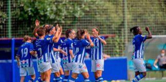 Las jugadoras del Sporting celebran uno de los goles de su encuentro en tierras vascas. / Foto: www.lfp.es.