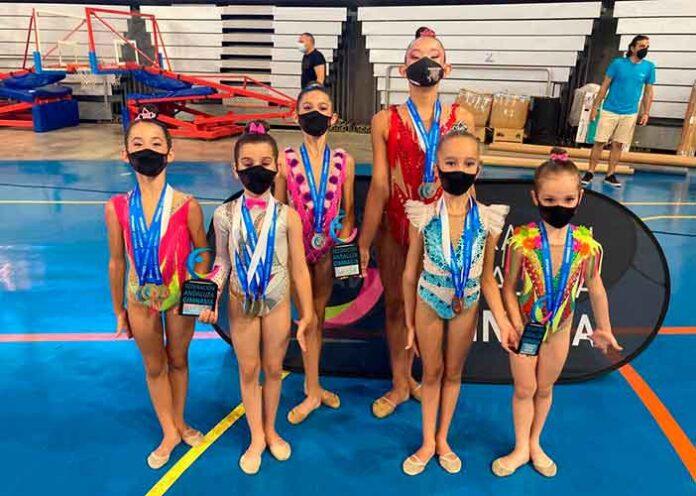 Sensacional fue la participación de las gimnastas del GR Huelva en el Campeonato de Andalucía de Copa y Precopa de Gimnasia Rítmica.