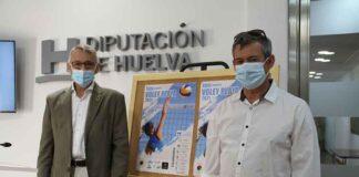 Un momento de la presentación del XVIII Circuito Diputación de Voley Playa que comenzará este próximo jueves en Islantilla.