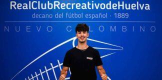 El central Óscar Marotías, uno de los fichajes del Recre para la temporada 2021-22, se va cedido a la Gimnástica de Torrelevaga. / Foto: @recreoficial.