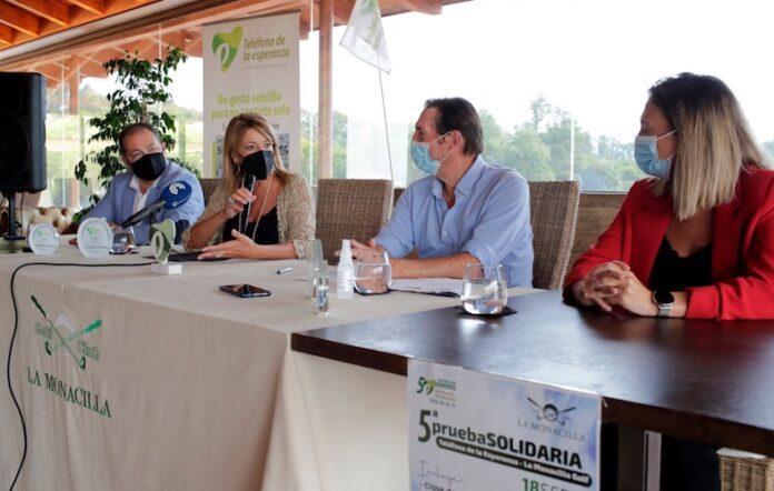 Un momento de la presentación del V Torneo de Golf Solidario en favor de El Teléfono de la Esperanza de este sábado en La Monacilla.