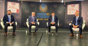 El alcalde de Huelva, Gabriel Cruz, expuso en el COE las novedades en la organización de los Mundiales de bádminton.