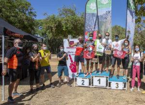 Podio masculino y femenino en la categoría Absoluta de la prueba. / Foto: Ayuntamiento de Huelva.
