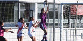 La meta local, Patricia Larqué, estuvo muy segura en las ocasiones en las que el Sporting le exigió. / Foto: www.lfp.es.
