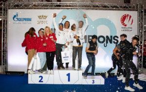 Podio de vencedores de la dura prueba celebrada en San Petersburgo. / Foto: Kristina Ryaguzova / Sailing Champions League.