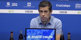 """Alberto Gallego, entrenador del Recre, alerta al señalar que el Atlético Antoniano es un rival """"muy difícil"""". / Foto: Captura imagen Recreativo de Huelva."""