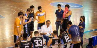 Gabriel Carrasco, entrenador del Huelva Comercio, espera que sus jugadores hayan aprendido de los errores cometidos en el partido de la semana anterior. / Foto: C. Verdier.