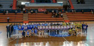 Prolegómenos del partido Ciudad de Huelva-CD Gines con mensaje de los dos equipos con motivo del Día Mundial de la Lucha contra el Cáncer de Mama. / Foto: @CiudadDeHuelva.