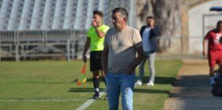 Juan Palma, entrenador del Cartaya, medita cambios en el once para el partido de este martes ante el Sevilla C. / Foto: Eduardo Rabaneda.